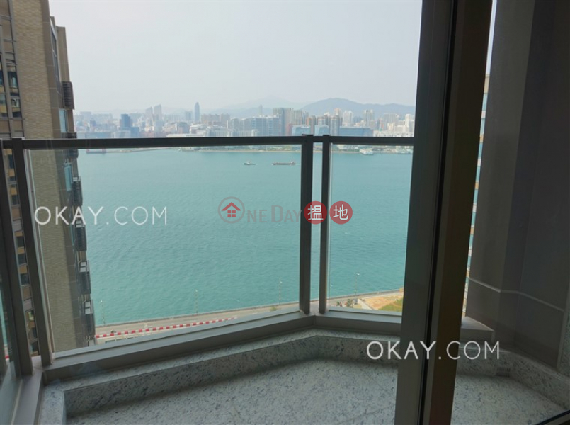Charming 3 bed on high floor with sea views & balcony | Rental | Harbour Glory Tower 3 維港頌3座 Rental Listings
