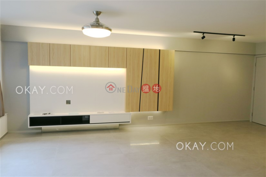 Gorgeous 3 bedroom in Mid-levels West   For Sale   Robinson Place 雍景臺 Sales Listings