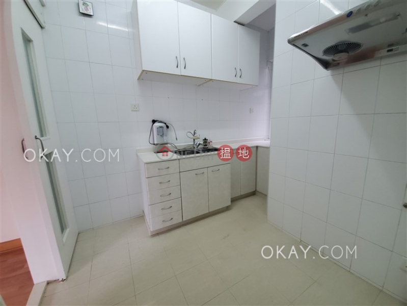 Nicely kept 3 bed on high floor with balcony & parking   Rental   Kam Fai Mansion 錦輝大廈 Rental Listings