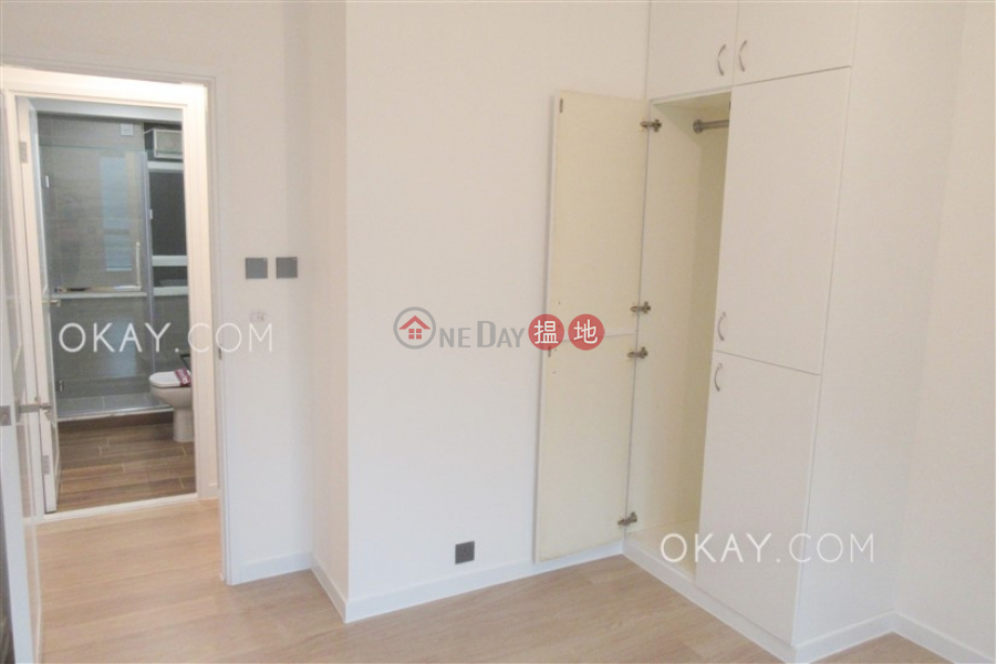 Unique 2 bedroom with parking | Rental, Hillsborough Court 曉峰閣 Rental Listings | Central District (OKAY-R25068)