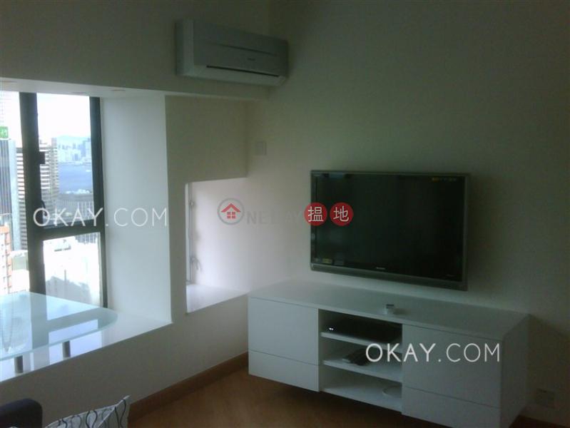Generous 1 bedroom on high floor with sea views | Rental | Dawning Height 匡景居 Rental Listings