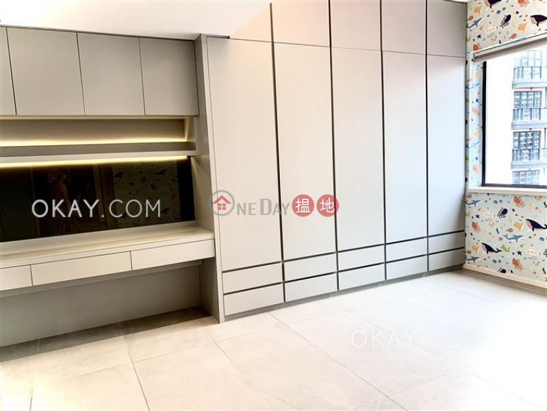 HK$ 33M, Wah Chi Mansion | Wan Chai District Beautiful 3 bed on high floor with rooftop & parking | For Sale
