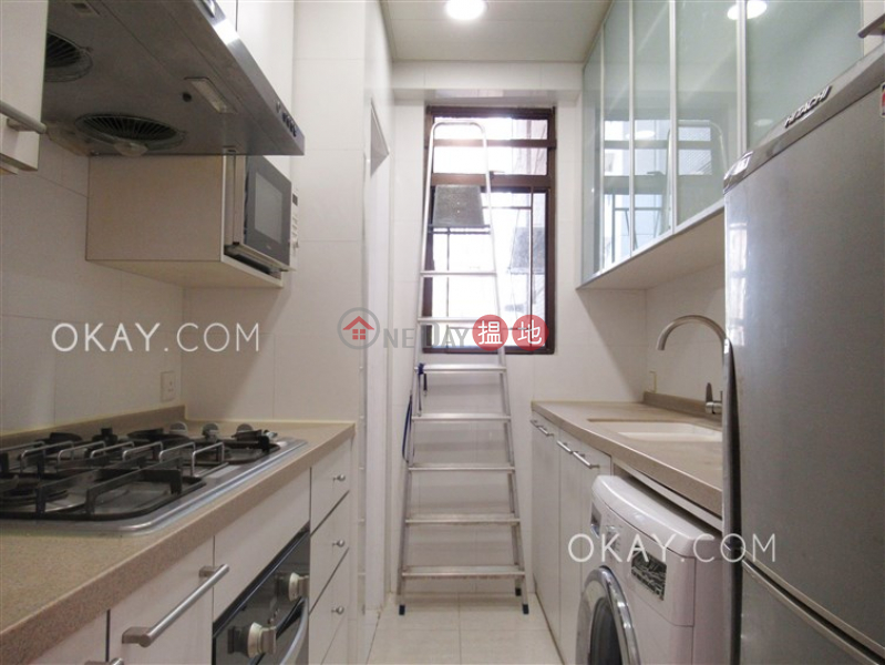 Efficient 3 bedroom with parking | For Sale | Villa Rocha 樂翠台 Sales Listings