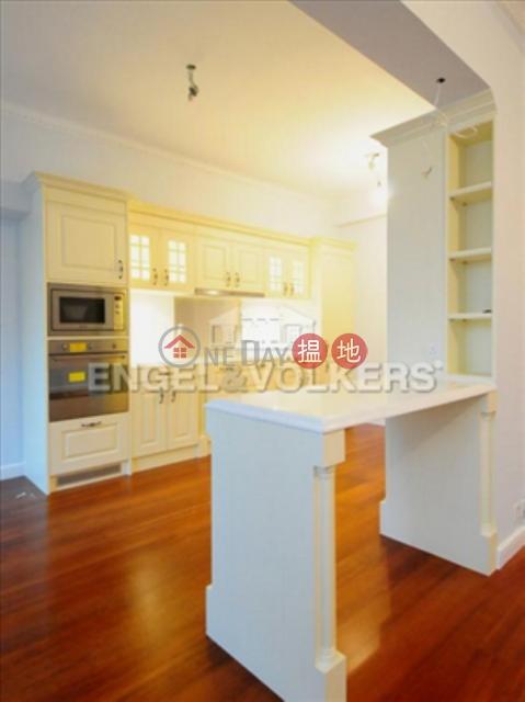 3 Bedroom Family Flat for Sale in Mid Levels West|Long Mansion(Long Mansion)Sales Listings (EVHK87472)_0