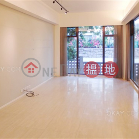 Luxurious 3 bedroom with parking | For Sale