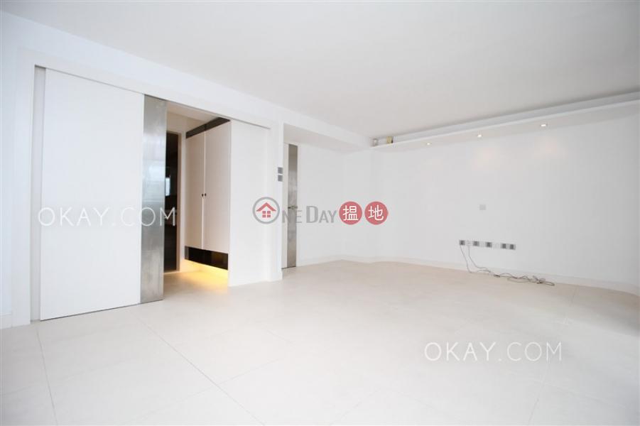 Lovely house with terrace, balcony | For Sale | Greenpeak Villa Block 1 柳濤軒1座 Sales Listings