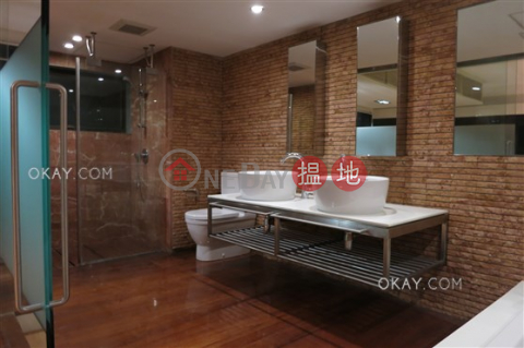Stylish house with rooftop, balcony | Rental|Orient Crest(Orient Crest)Rental Listings (OKAY-R15602)_0