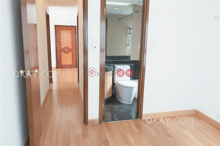 HK$ 33,000/ month Dragon Court Western District, Popular 2 bedroom in Mid-levels West | Rental