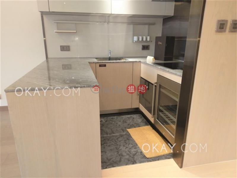 Gorgeous 2 bedroom with balcony | Rental, My Central MY CENTRAL Rental Listings | Central District (OKAY-R326747)