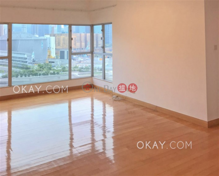 Gorgeous 2 bedroom in Kowloon Station | For Sale | The Waterfront Phase 2 Tower 5 漾日居2期5座 Sales Listings