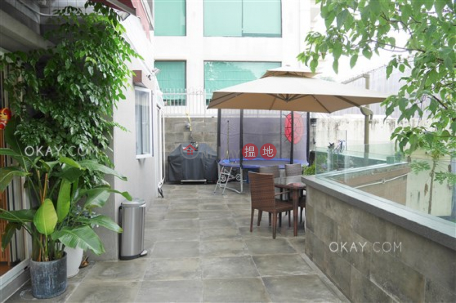 Popular 2 bedroom with terrace & parking | For Sale | Gallant Place 嘉逸居 Sales Listings