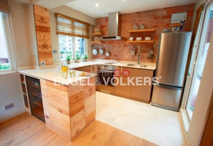 1 Bed Flat for Sale in Sheung Wan, Curios Court 古今閣 Sales Listings | Western District (EVHK88804)