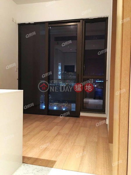 HK$ 13M, The Gloucester, Wan Chai District | The Gloucester | 1 bedroom Mid Floor Flat for Sale