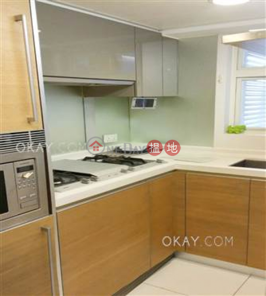 Intimate 2 bedroom with balcony | Rental, Centrestage 聚賢居 Rental Listings | Central District (OKAY-R71115)