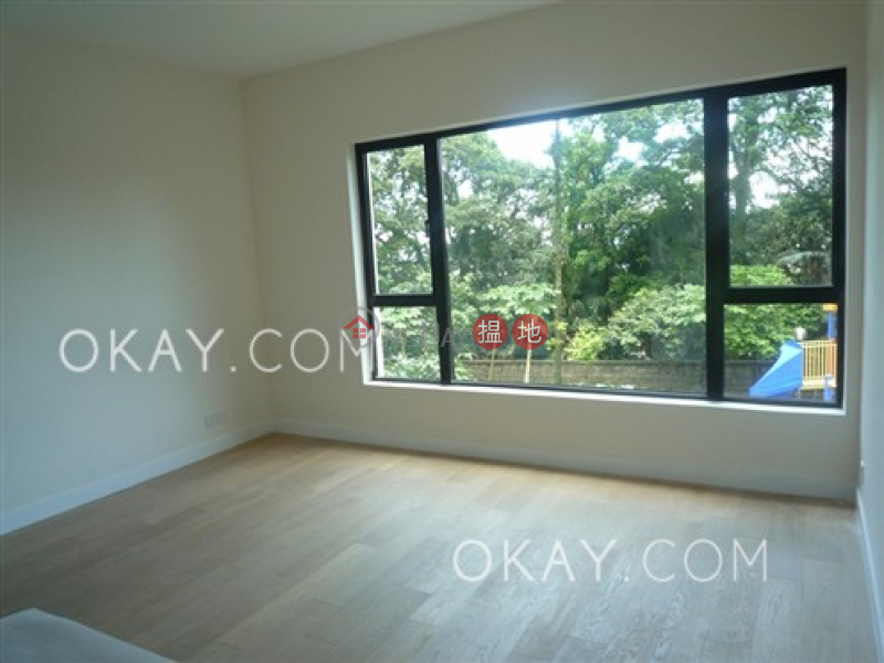 HK$ 160,000/ month Strawberry Hill Central District Beautiful house with balcony & parking   Rental