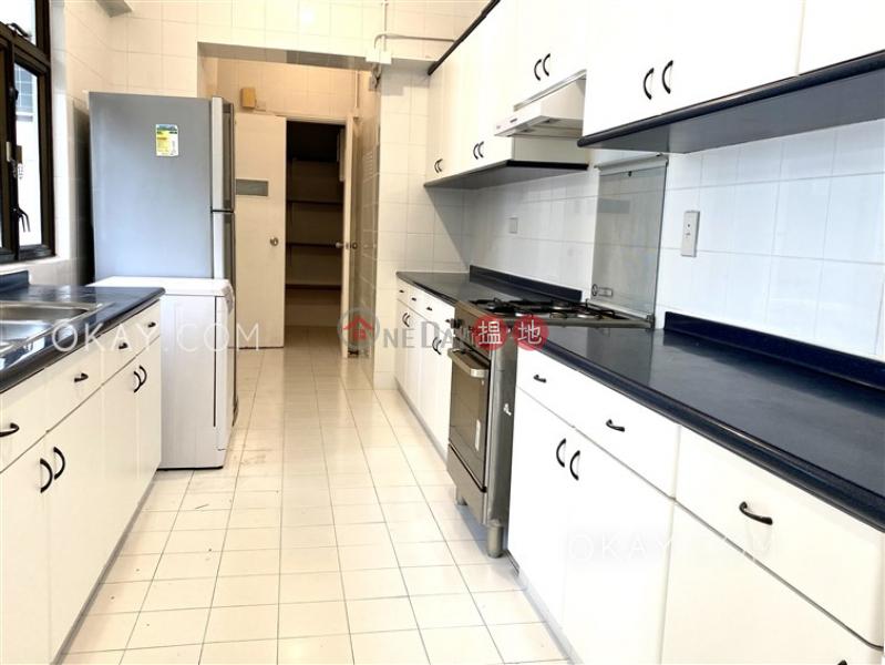 Efficient 3 bedroom with sea views, balcony   Rental   Repulse Bay Apartments 淺水灣花園大廈 Rental Listings