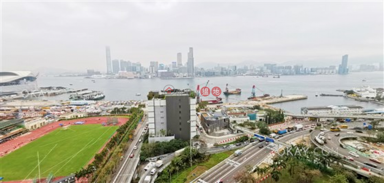 HK$ 13M The Gloucester | Wan Chai District Gorgeous 1 bedroom with harbour views & balcony | For Sale
