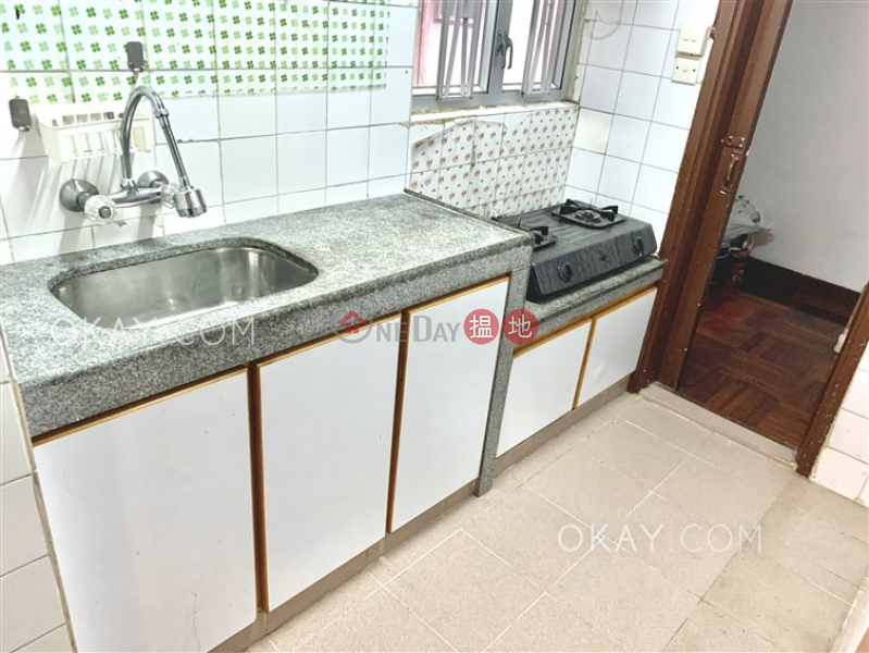 HK$ 33,000/ month | Block 3 Phoenix Court Wan Chai District Tasteful 3 bedroom with balcony & parking | Rental