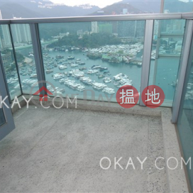 Luxurious 2 bed on high floor with sea views & balcony | For Sale