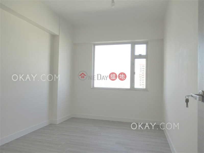 Efficient 3 bed on high floor with balcony & parking | Rental | Realty Gardens 聯邦花園 Rental Listings