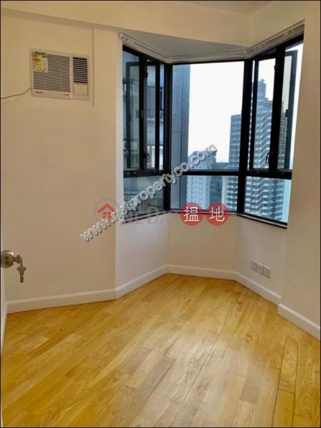 HK$ 21,000/ 月-廣豐臺 西區Amazing Seaview Newly Renovated 2 Bedroom Apartmen