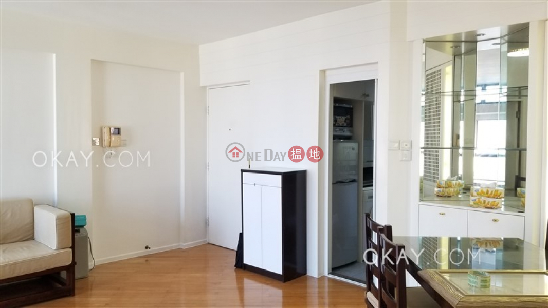 Popular 2 bedroom on high floor with parking   Rental   Valverde 蔚皇居 Rental Listings