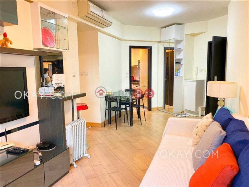 HK$ 35,000/ 月干德道38號The ICON|西區2房1廁,星級會所,露台《干德道38號The ICON出租單位》