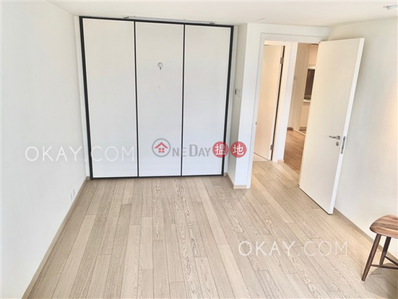 HK$ 30,000/ month Convention Plaza Apartments Wan Chai District Popular 1 bedroom on high floor with sea views | Rental