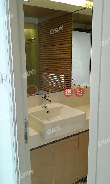HK$ 31,000/ month, Centrestage | Central District Centrestage | 2 bedroom Mid Floor Flat for Rent