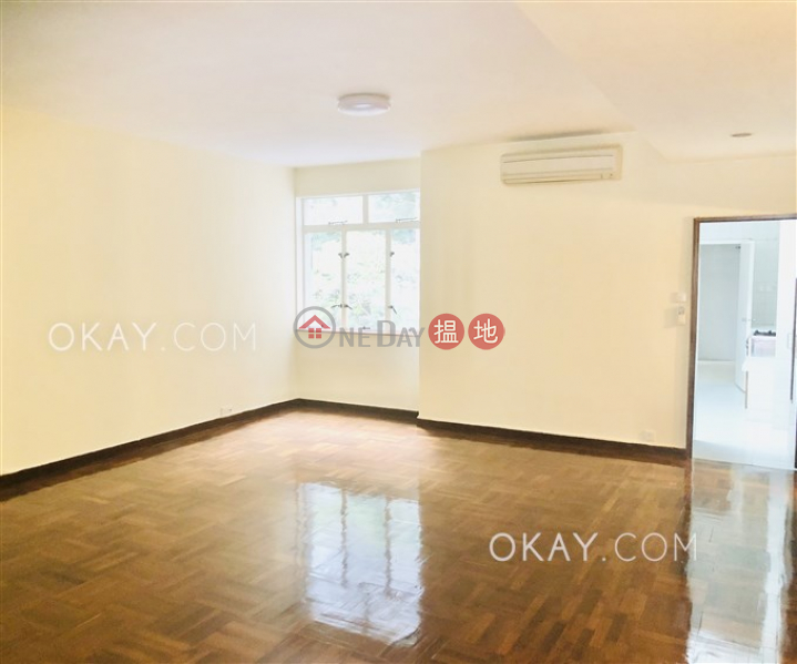 HK$ 70,000/ month Palm Court | Western District, Unique 3 bedroom with balcony & parking | Rental