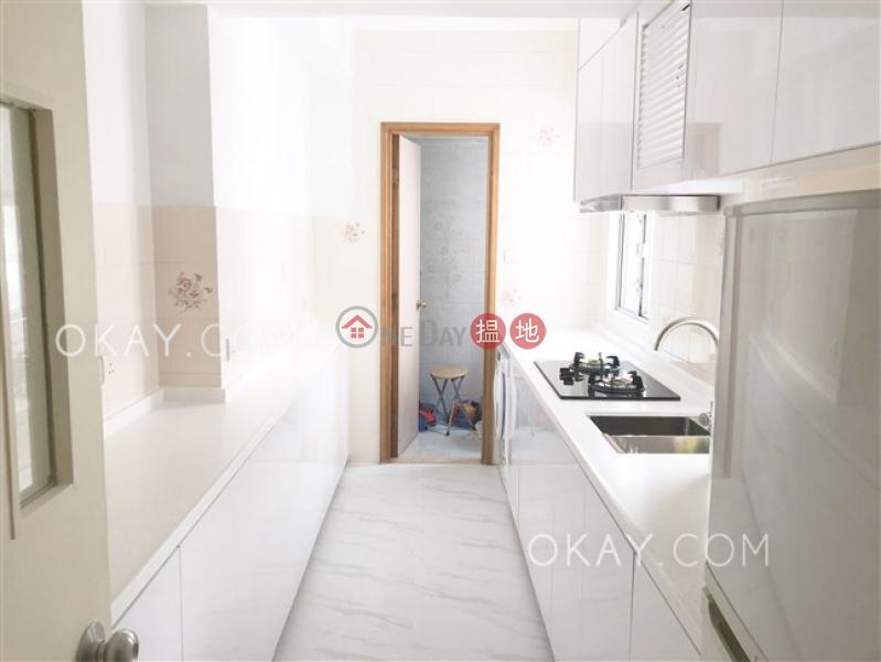 Stylish 2 bedroom on high floor | Rental, King\'s Garden 健園 Rental Listings | Western District (OKAY-R13896)