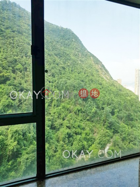 Luxurious 2 bedroom with parking | Rental | Hillsborough Court 曉峰閣 Rental Listings