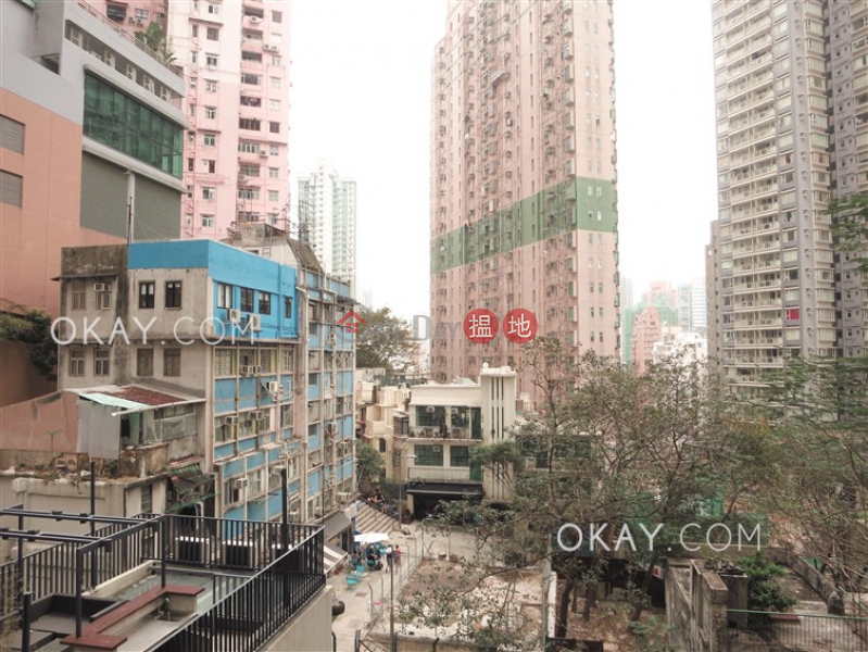 Lovely 2 bedroom with balcony | For Sale, Centre Point 尚賢居 Sales Listings | Central District (OKAY-S80799)