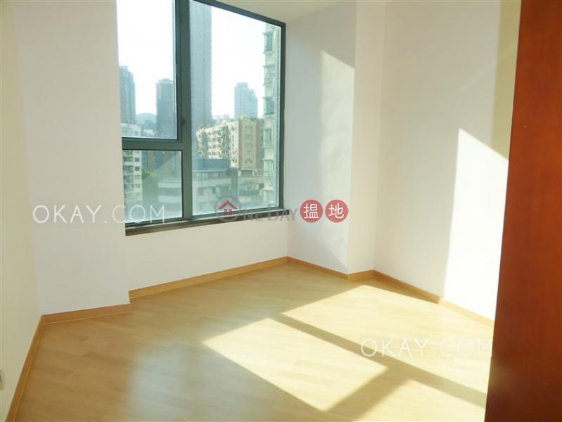 Tasteful 3 bedroom in Mid-levels West | Rental | 80 Robinson Road 羅便臣道80號 Rental Listings