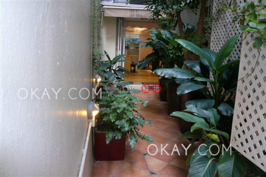 Luxurious 2 bedroom in Mid-levels West | For Sale 45 Seymour Road | Western District Hong Kong | Sales, HK$ 13M