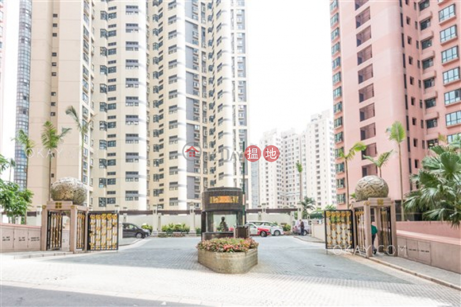 Property Search Hong Kong | OneDay | Residential Sales Listings Exquisite 3 bed on high floor with balcony & parking | For Sale