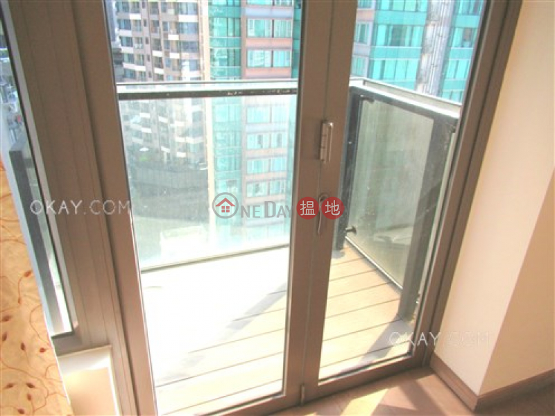 Nicely kept 2 bedroom on high floor with balcony | For Sale | Centre Point 尚賢居 Sales Listings