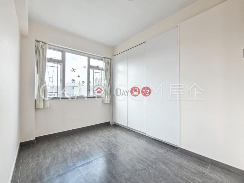 3房1廁,實用率高,極高層,連車位信達閣出售單位 3范信達道   九龍城香港 出售HK$ 1,200萬