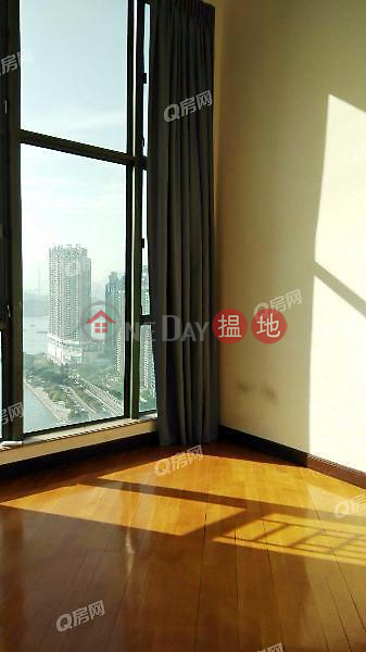 HK$ 48M   Park Avenue, Yau Tsim Mong   Park Avenue   3 bedroom High Floor Flat for Sale
