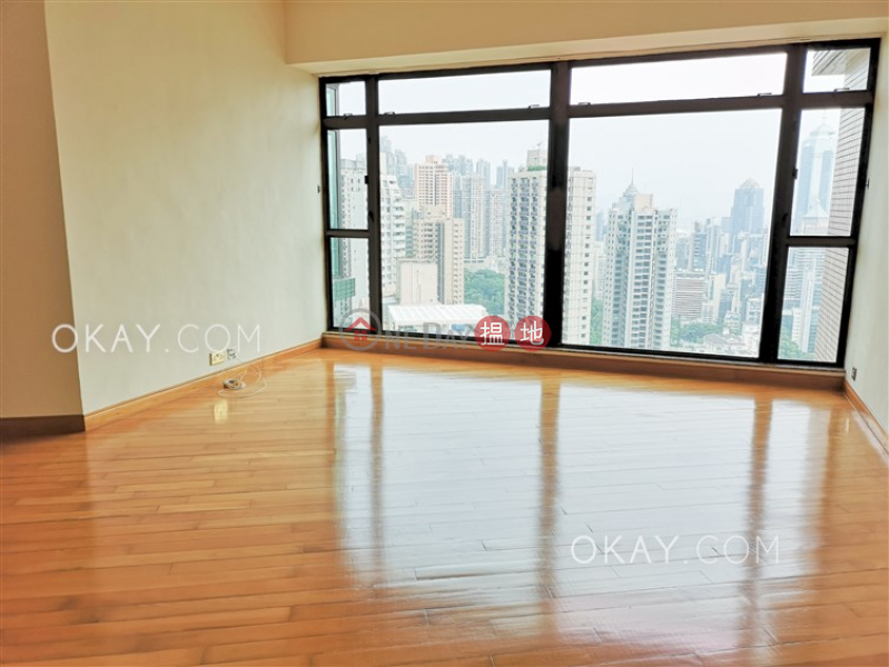 HK$ 73,000/ month Fairlane Tower, Central District Lovely 3 bedroom in Mid-levels Central | Rental