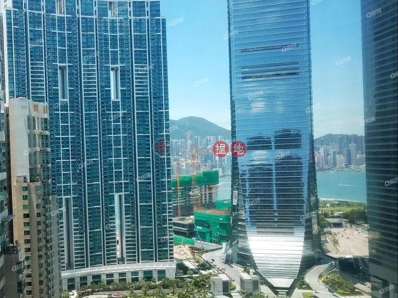 豪宅入門,鄰近高鐵站,地鐵上蓋,實用兩房,廳大房大《擎天半島1期5座買賣盤》 1柯士甸道西   油尖旺-香港 出售 HK$ 1,880萬