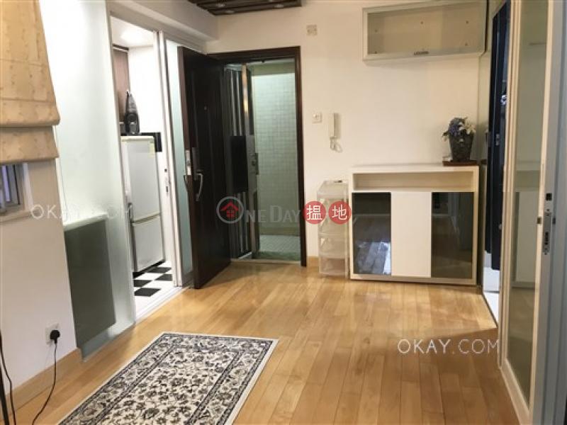 Practical 2 bedroom in Wan Chai   Rental, Kin Lee Building 建利大樓 Rental Listings   Wan Chai District (OKAY-R315202)