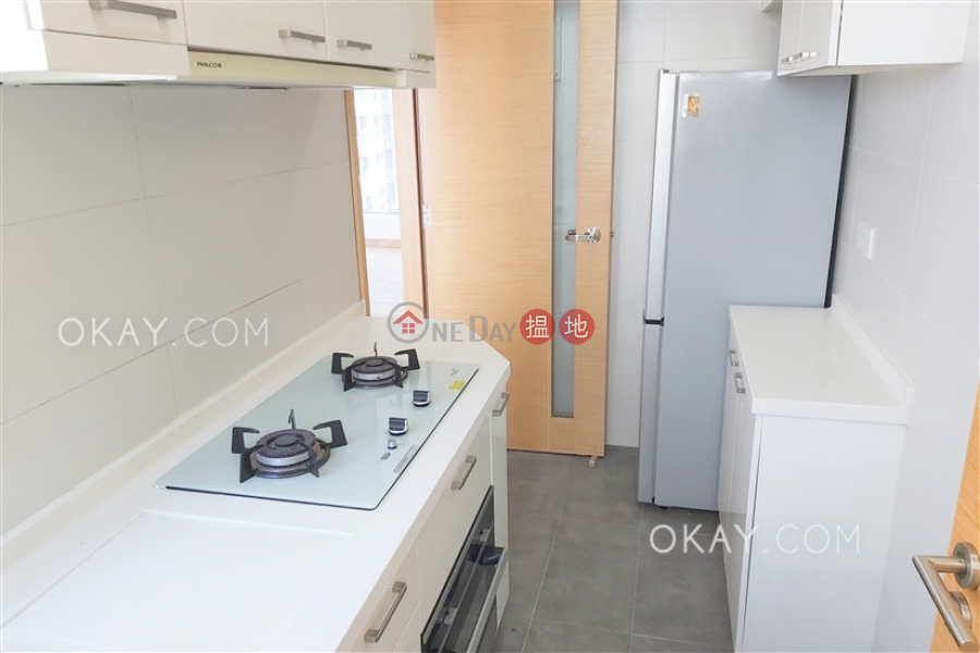 HK$ 34,500/ month | High Park 99 Western District Gorgeous 2 bed on high floor with harbour views | Rental