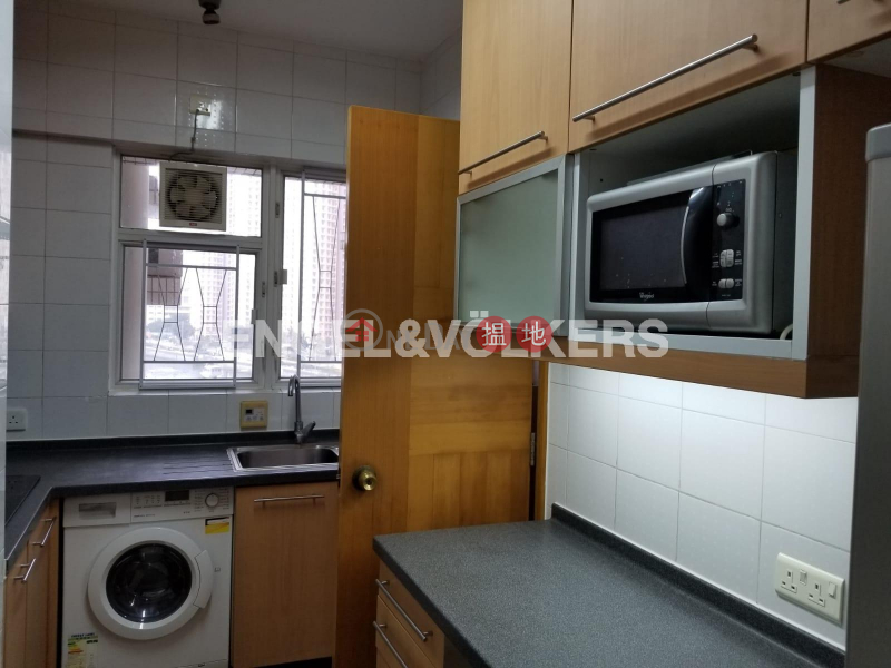 Property Search Hong Kong | OneDay | Residential | Rental Listings | 3 Bedroom Family Flat for Rent in Sai Wan Ho
