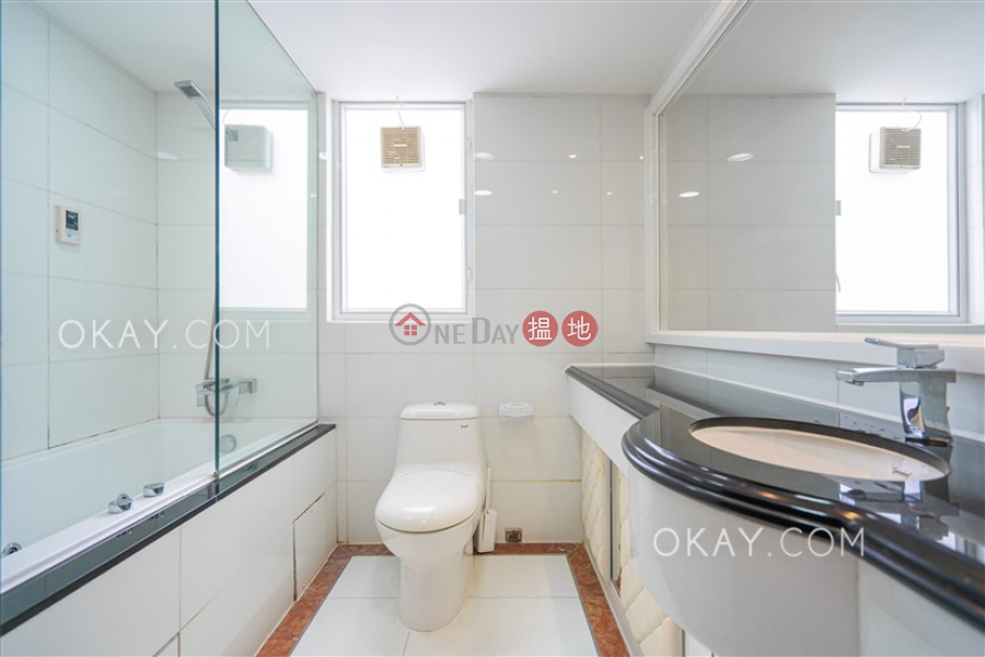 HK$ 75,000/ month Phase 3 Villa Cecil Western District Beautiful 2 bed on high floor with sea views & rooftop | Rental
