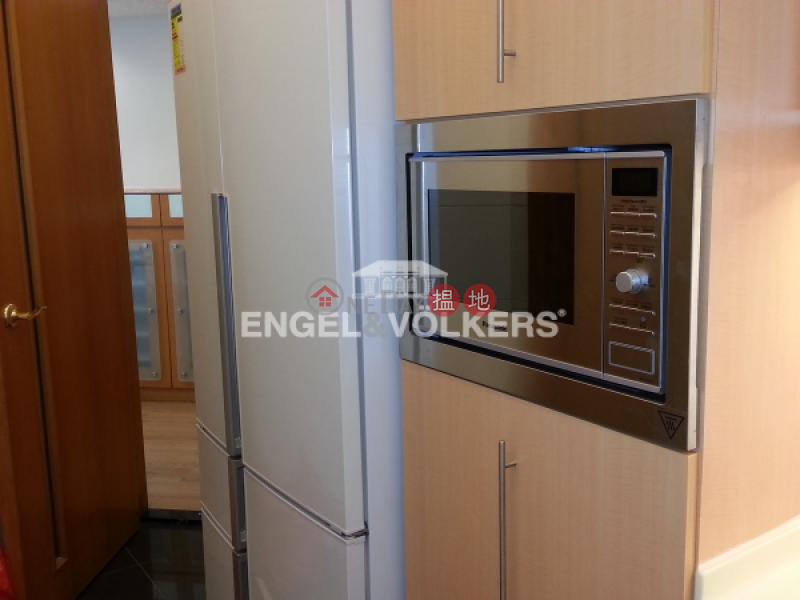 Property Search Hong Kong | OneDay | Residential Rental Listings 4 Bedroom Luxury Flat for Rent in Shek Tong Tsui