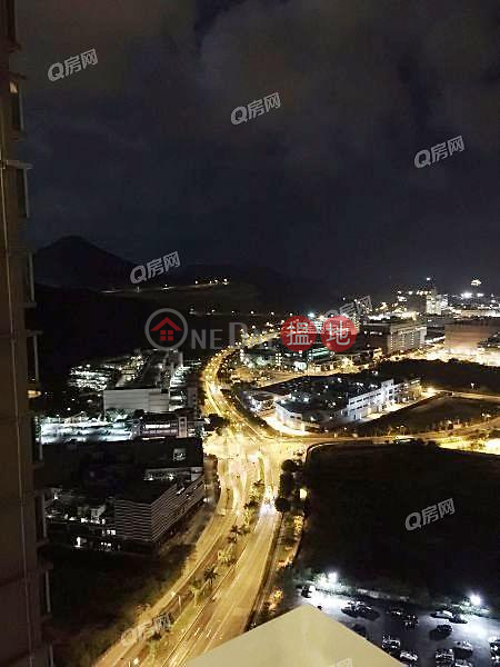 Property Search Hong Kong | OneDay | Residential | Rental Listings, Swan Lake (Tower 2 - L Wing) Phase 2A Le Prestige Lohas Park | 3 bedroom Mid Floor Flat for Rent