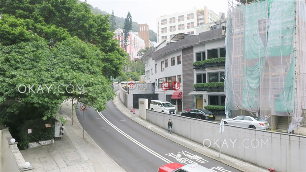 HK$ 50,000/ month | Sunrise Court, Wan Chai District | Nicely kept 3 bedroom with balcony & parking | Rental