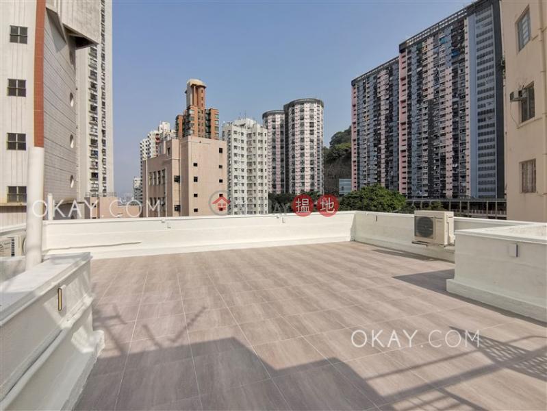Charming 3 bedroom on high floor with rooftop & parking   Rental   1 Yik Kwan Avenue 益群道1號 Rental Listings