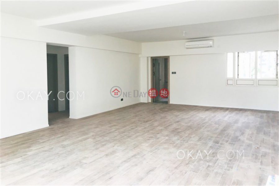 Exquisite 3 bedroom with balcony & parking | Rental | St. Joan Court 勝宗大廈 Rental Listings